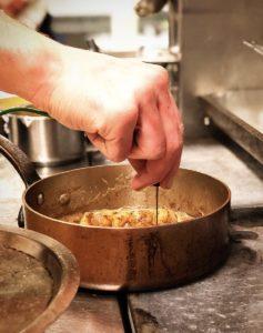Hand casserole